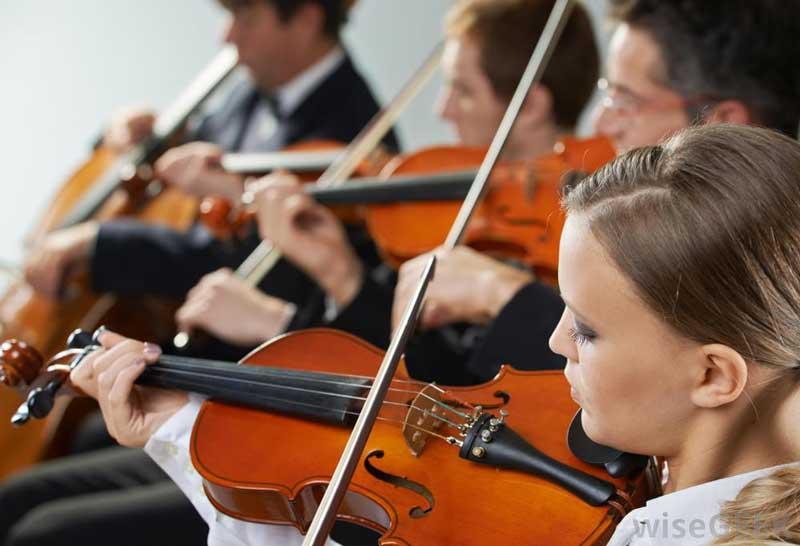 quartet-playing-violins