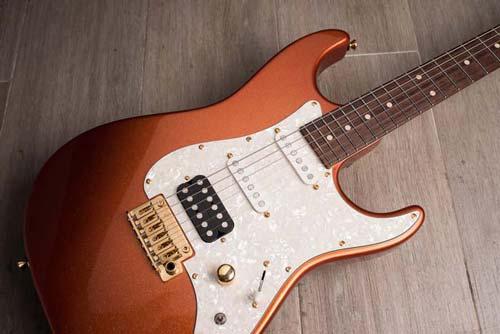 گیتار دست ساز زیبا