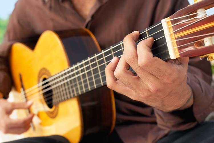 what-is-a-classical-guitar
